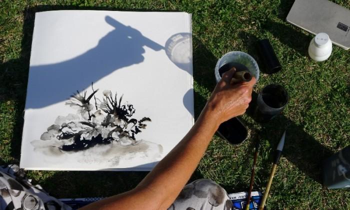 Caroline Peyron aquarellierend