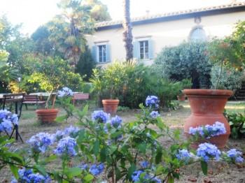 Im Garten der Villa Le Guadalupe