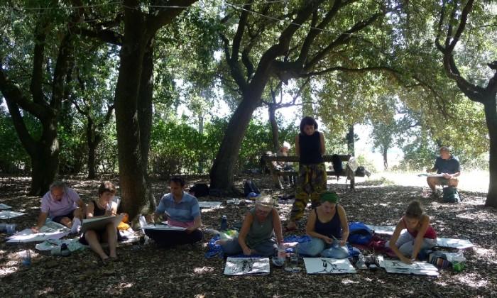 sketchers in the boschetto of Villa Le Guadalupe