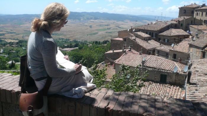 Teri Nye sketching in Volterra